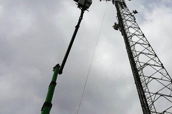mobile cherry picker telecommunications 003